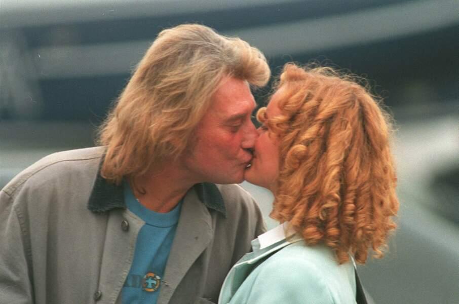 Johnny et Laeticia Hallyday, le jour de leur mariage, à Neuilly, le 25 mars 1996