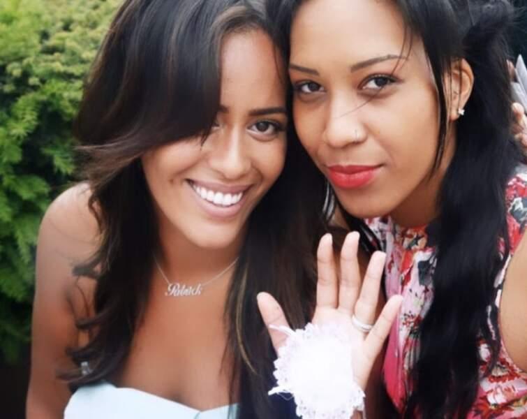 Amel Bent et sa soeur May, le 30 avril 2020.