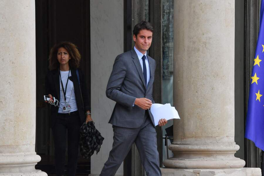 Mayada Boulos et Gabriel Attal, à la sortie du Conseil des ministres, au palais de l'Élysée, le 15 juillet 2020.