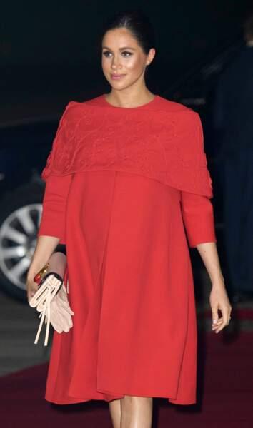 Meghan Markle enceinte en robe sur-mesure signée Valentino,  le 23 février 2019.