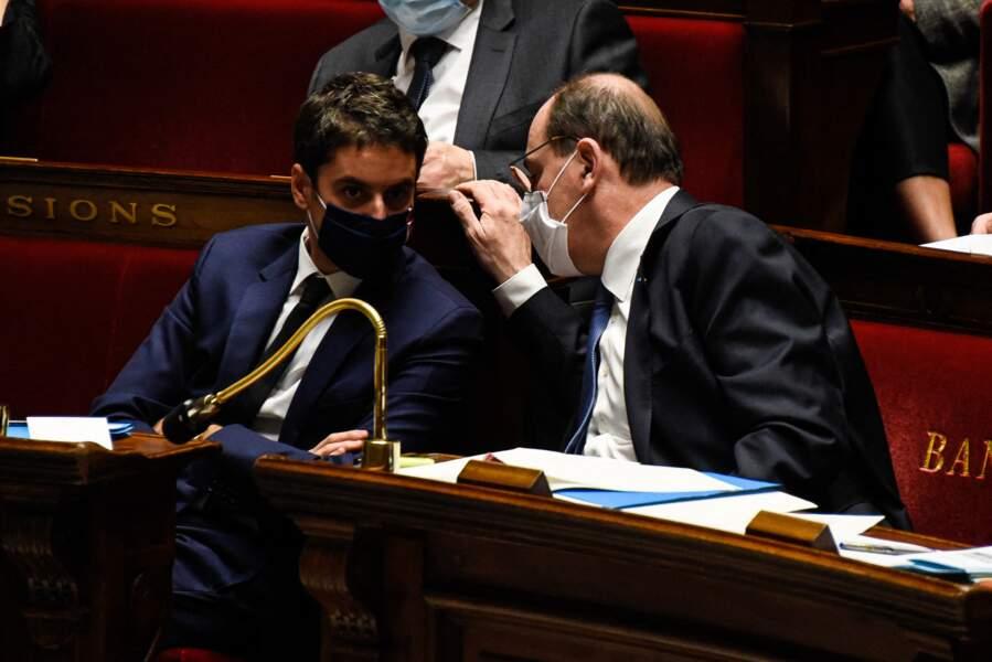 Gabriel Attal et Jean Castex, lors des traditionnelles questions au gouvernement à l'Assemblée Nationale, à Paris, le 26 janvier 2021.