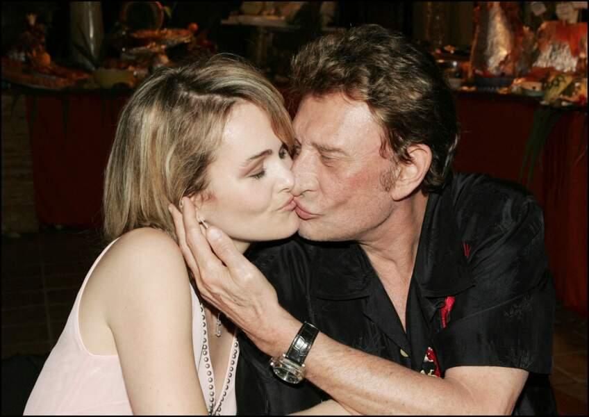 Johnny et Laeticia Hallyday au restaurant Tahiti de St-Tropez, le 4 juillet 2004