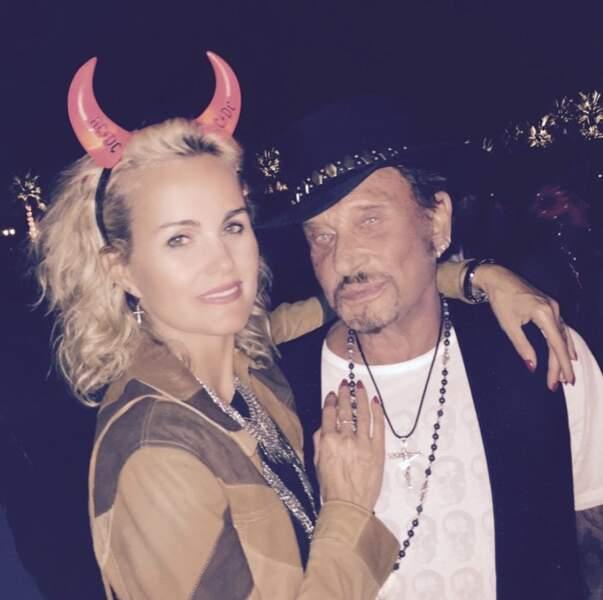Le 18 avril 2015, ambiance rock'n'roll dans les coulisses de Coachella pour Johnny et Laeticia.