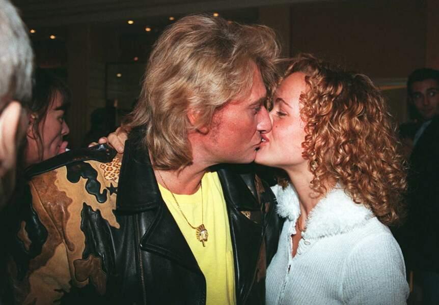 Johnny et Laeticia Hallyday dans un restaurant parisien, le 13 septembre 1995