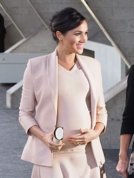 L'une des plus belles tenues de Meghan Markle durant sa première grossesse, un ensemble rose poudré signé Brandon Maxwell, le 30 janvier 2019.