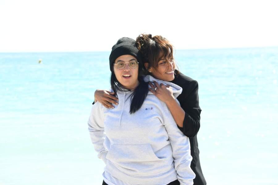 """Amel Bent, Melha Bedia lors du photocall de """"Kings"""" lors de la 2ème édition du festival Canneseries à Cannes le 9 avril 2019."""