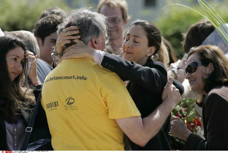 Ingrid Betancourt, à son arrivée à l'aéroport militaire de Villacoublay (Yvelines), le 4 juillet 2008.