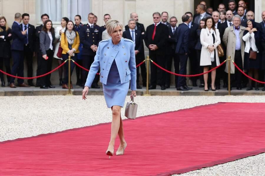 """""""Je ne me sens ni première - ni dernière - ni dame ! Je suis Brigitte Macron"""" (Elle, 2017)"""