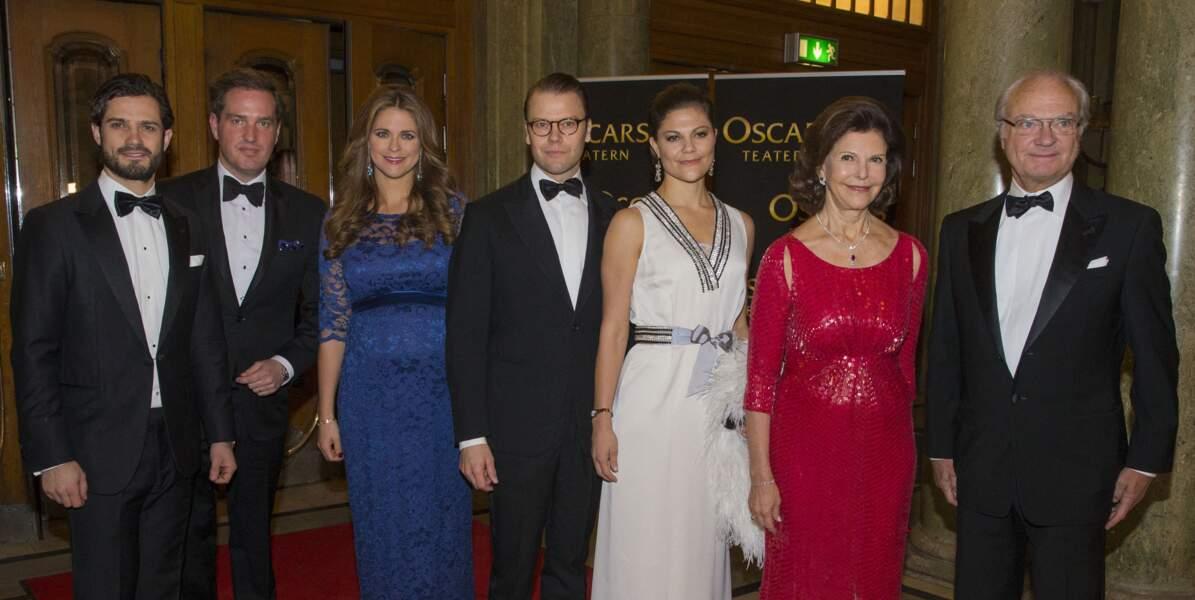 la princesse Madeleine enceinte, porte la même tenue que Kate Middleton à quelques années d'écart, le 19 décembre 2013.
