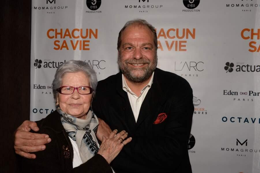 """Eric Dupond-Moretti et sa mère Elena lors de l'after party du film """"Chacun sa vie"""" à L'Arc, à Paris, le 13 mars 2017."""