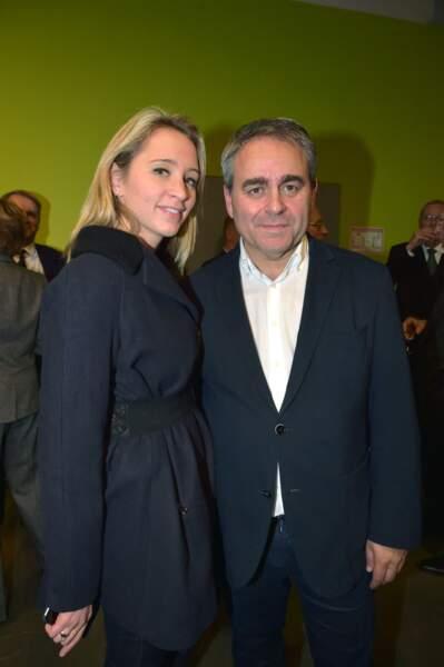 Xavier Bertrand et sa compagne Vanessa Williot lors d'une cérémonie au Carré de la République à Amiens le 25 novembre 2016