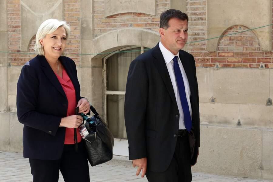 Marine Le Pen et son compagnon Louis Aliot lors de la réunion du Parlement en Congrès au château de Versailles, le 3 juillet 2017.