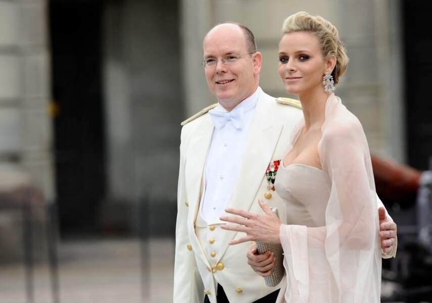 Le prince Albert II de Monaco et Charlène Wittstock au mariage de la princesse Victoria de Suède et de Daniel Westling en 2010