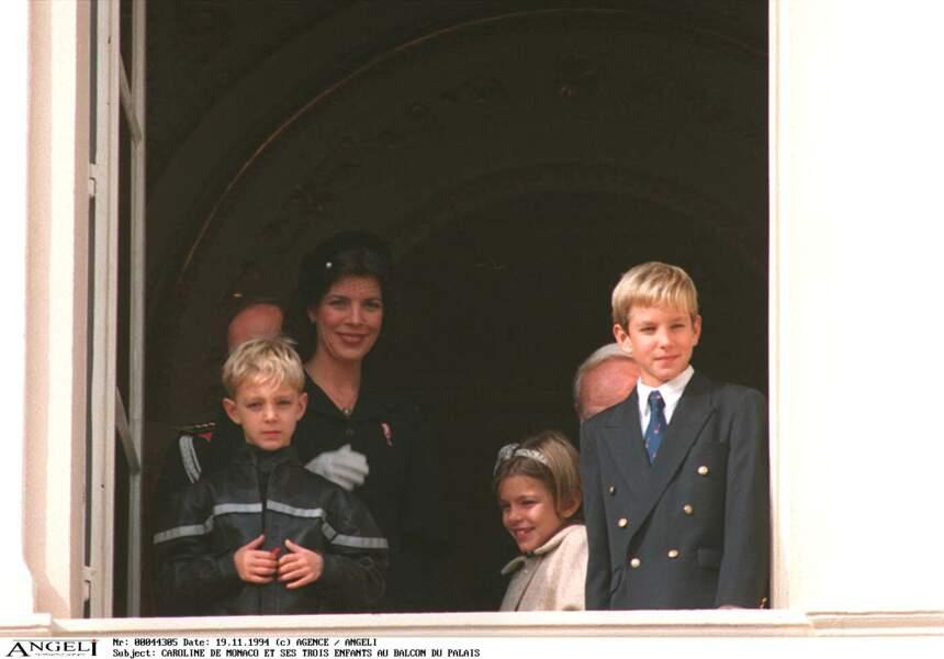 Caroline de Monaco aux côtés d'Andrea, Charlotte et Pierre le 19 novembre 1994