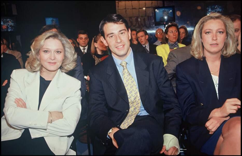 Marine Le Pen (à droite) à 27 ans.