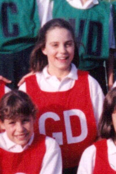 Kate Middleton, à l'âge de 11 ans, membre fière de son équipe de netball.