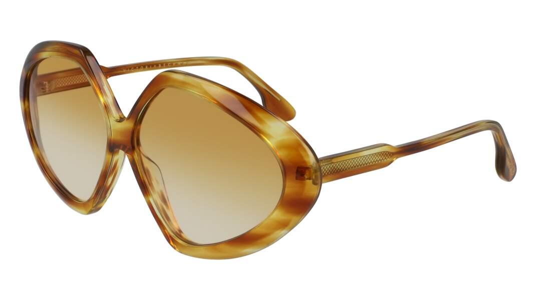 Lunettes de soleil Faceted Round in Havana Rust, 275€, Victoria Beckham sur Zalando