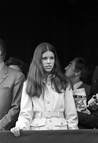 Caroline de Monaco lors du Grand prix de Formule 1, en 1971. La jeune fille a alors 14 ans.