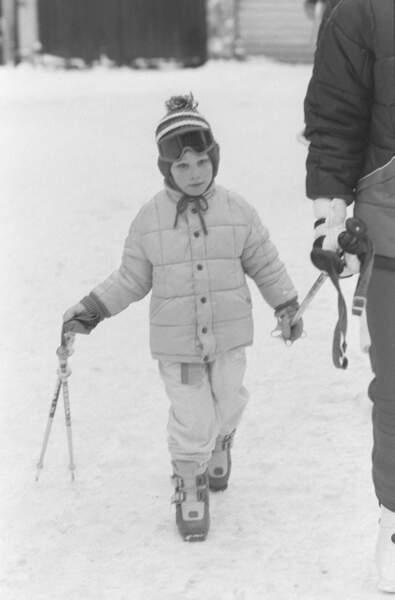 Zara Phillips, lors de vacances au ski en 1986. Elle a alors 5 ans.