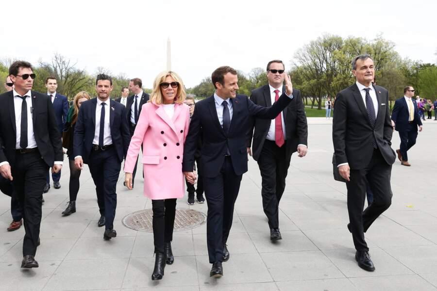 Brigitte Macron ose le rose tagada à Washington le 23 avril 2018.