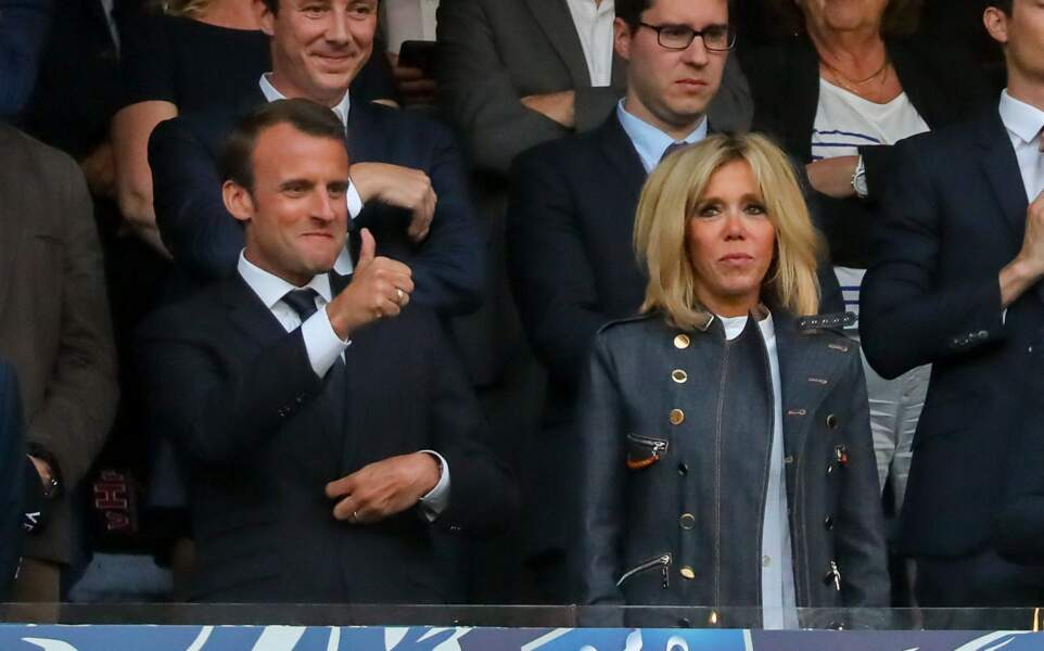Brigitte Macron en perfecto rock lors de la finale de la coupe de France, le 9 mai 2018.
