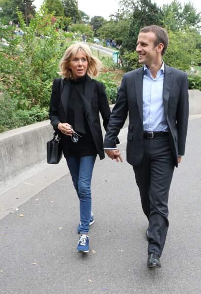 Brigitte Macron déjà en jean et baskets le 4 septembre 2016.