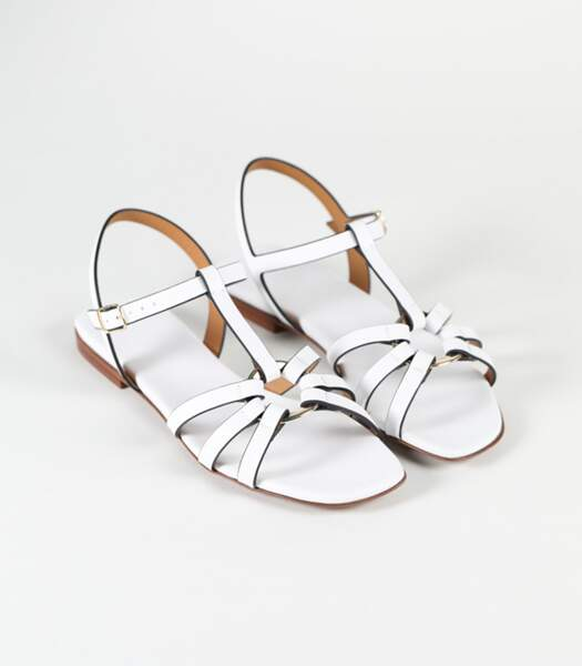 "Sandales en cuir blanc ""Vasarelli"", Carel, 245 euros."