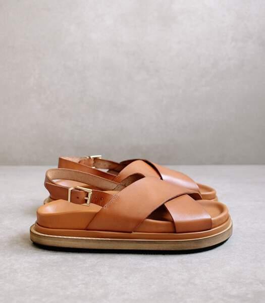 "Sandales en cuir camel ""Marshmallow"", Alohas, 140 euros."