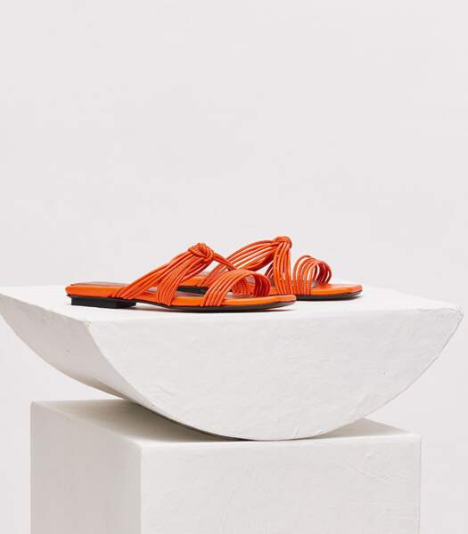 """Sandales en cuir orange """"Malaga"""", Souliers Martinez, 355 euros."""