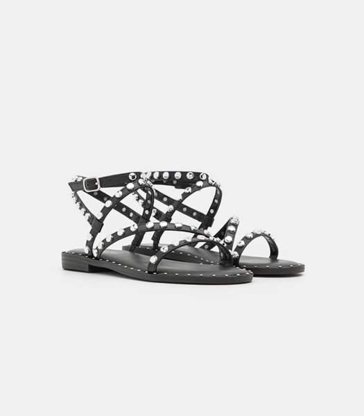 "Sandales noires cloutées ""Flight"", Madden Girl sur Zalando, 59,95 euros."