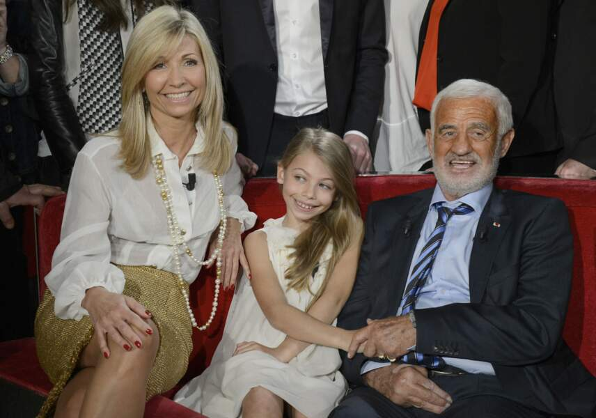 Natty, Stella Belmondo et Jean-Paul Belmondo le 10 avril 2013 lors du tournage de Vivement dimanche