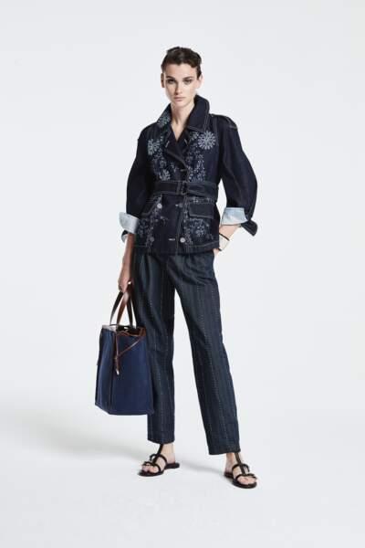 Veste en jean, 2900€, Giorgio Armani