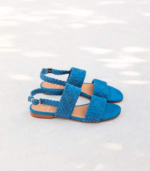 "Sandales plates bleues ""Alba"", Bobbies, 155 euros."