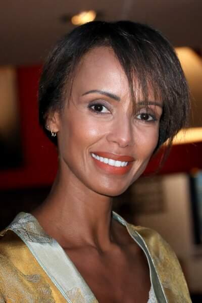 L'ex-miss France Sonia Rolland créée la surprise avec sa coupe courte, qu'elle porte au naturel ou lissée.