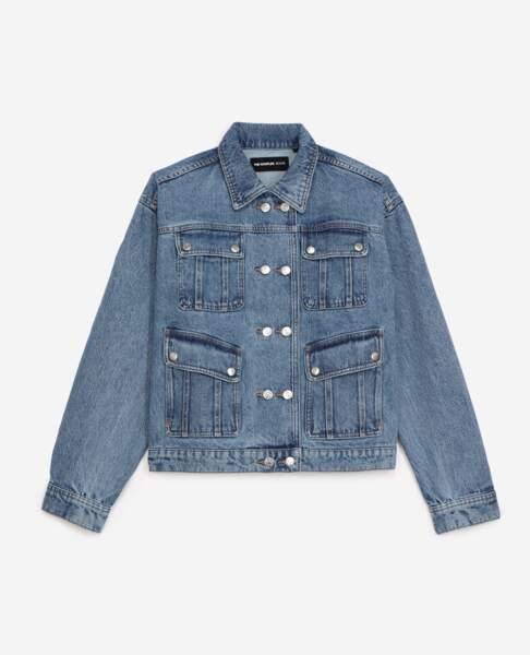 Blouson jean bleu à boutons-pression, 225€, The Kooples