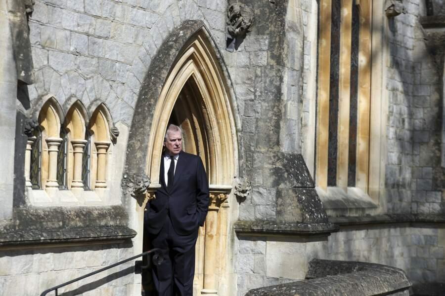 Le prince Andrew salue la mémoire de son père, le prince Philip