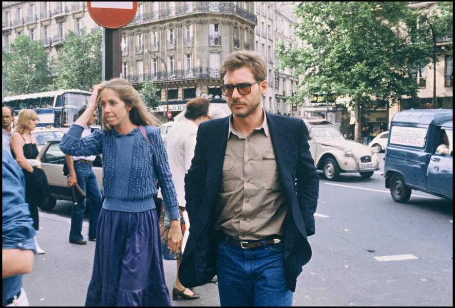 Harrison Ford et Melissa Mathison boulevard Saint-Germain à Paris en 1980