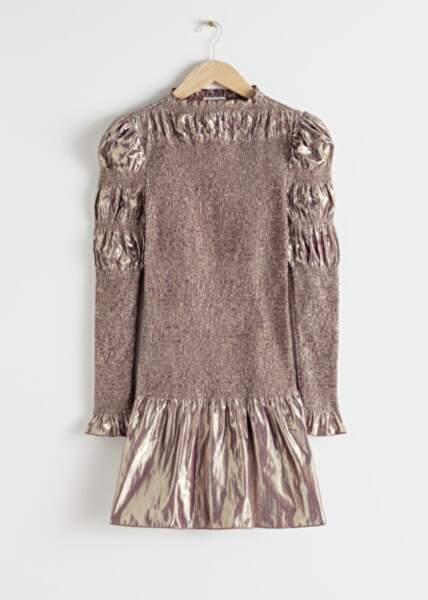 Robe métallique à smocks, & Other Stories, 129 €