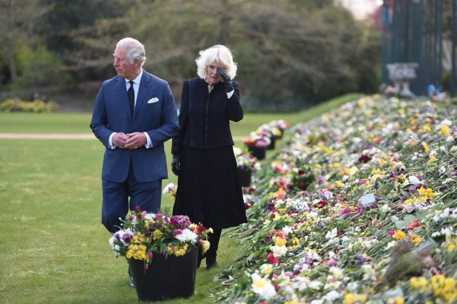 Le prince Charles et Camila Parker-Bowles sont apparus très émus face aux nombreux hommages rendus au prince Philip.