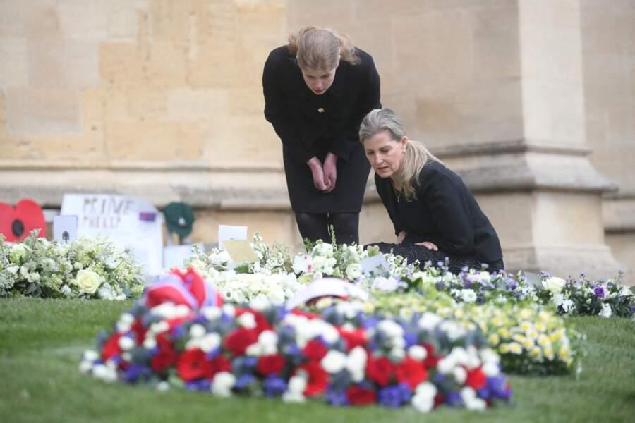 """""""C'était comme si quelqu'un le prenait par la main et qu'il s'en allait, c'était si paisible"""", avait détaillé Sophie de Wessex à propos de la mort du prince Philip."""