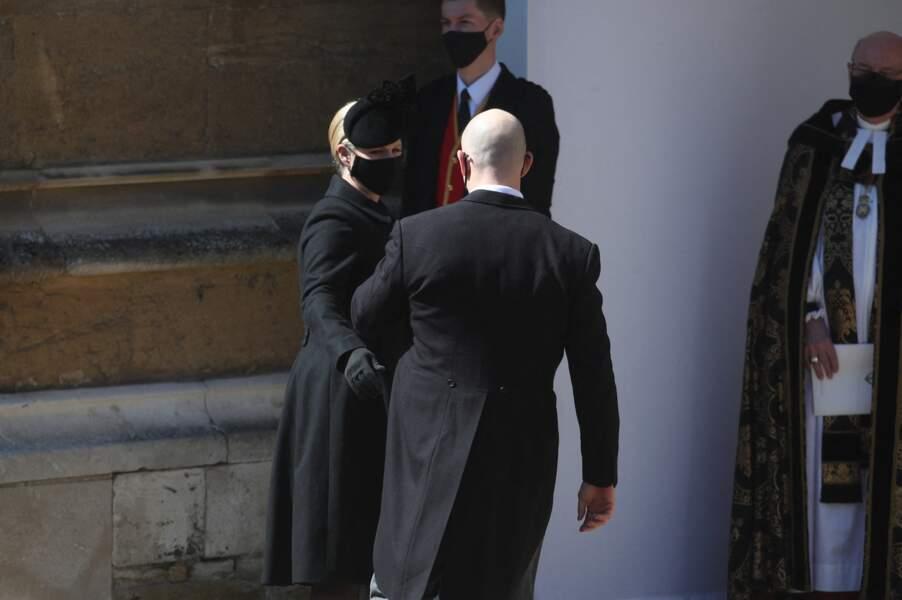 Zara Phillips et Mike Tindall à l'entrée du château de Windsor