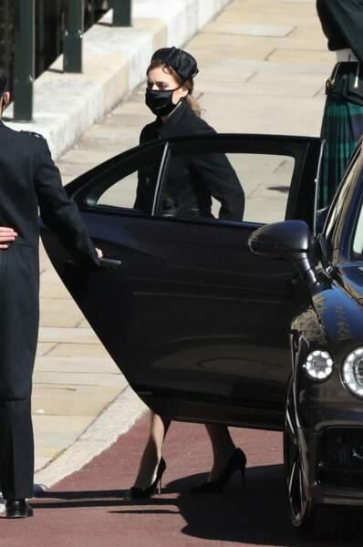La princesse Beatrice arrive avec Edoardo Mapelli Mozzi aux obsèques du prince Philip
