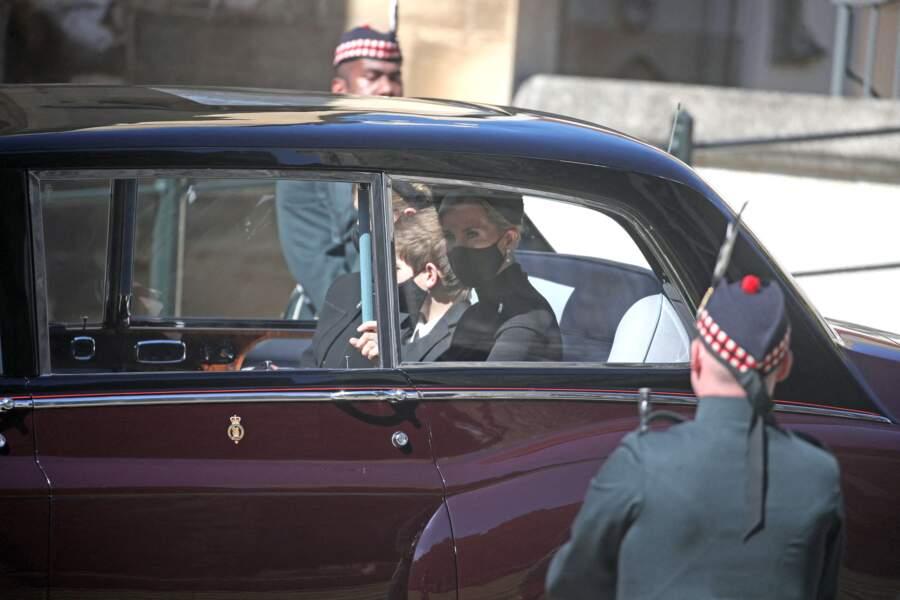 Lady Louise Windsor, James viscomte Severn et Sophie de Wessex en voiture pour se rendre aux obsèques du prince Philip