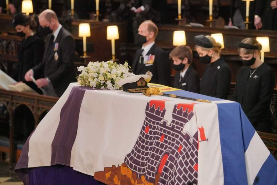 Kate Middleton, le prince William, Edward de Wessex, James viscomte Severn, Lady Louise Windsor-Mountbatten et Sophie de Wessex sont installés ensemble