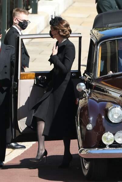 Kate Middleton à la sortie de sa voiture au château de Windsor