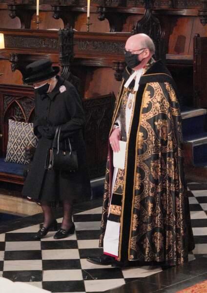 Sa Majesté Elizabeth II avec l'archevêque de Canterbury en la chapelle Saint George de Windsor