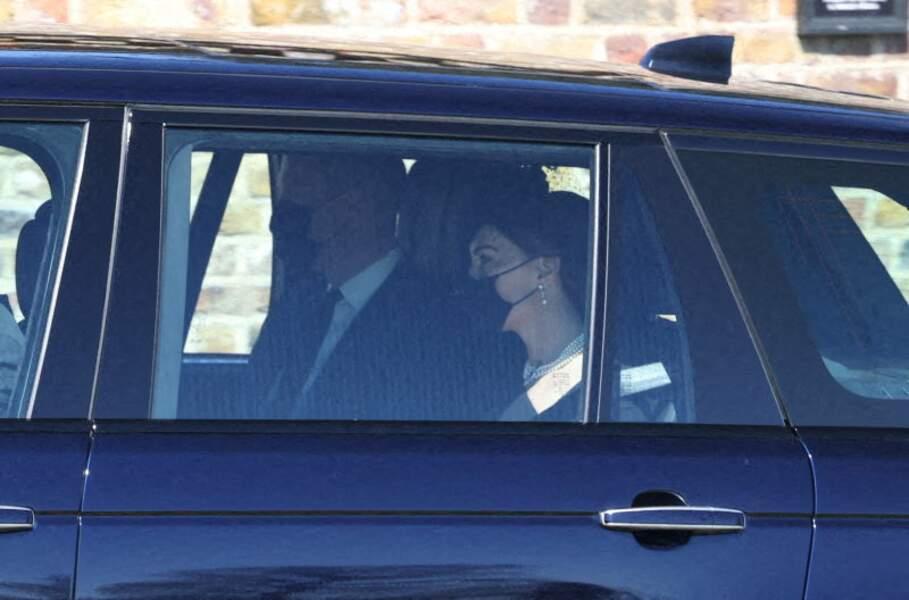 Kate Middleton et le prince William en route pour le château de Windsor ce samedi 17 avril 2021