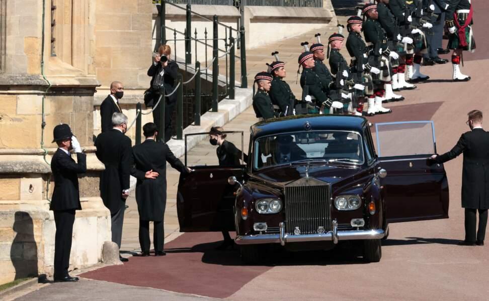 Lady Louise Windsor arrive avec son frère, James viscomte Severn, au château de Windsor