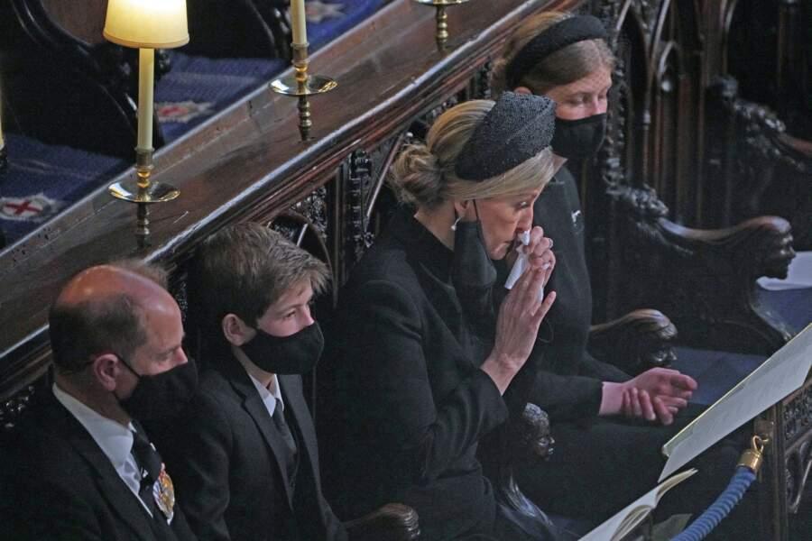 Le prince Edward, son épouse Sophie de Wessex, et leurs enfants Lady Louise et vicomte James, aux funérailles du prince Philip, le 17 avril 2021.