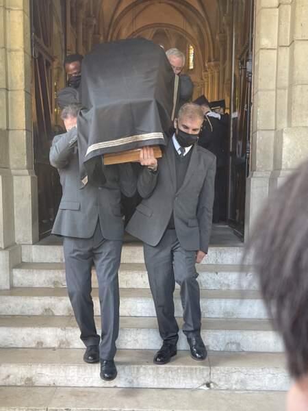 Le cercueil d'Andreas Laroche-Joubert, lors de ses obsèques à l'église Saint-Pierre de Neuilly-sur-Seine, le 19 avril 2021.